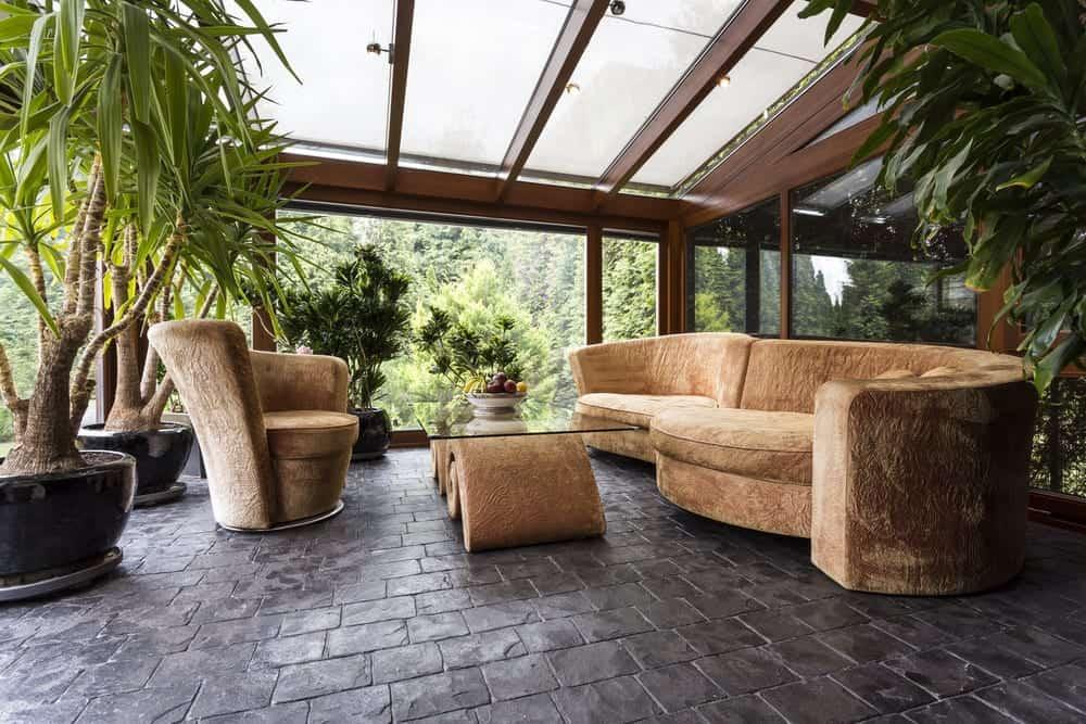 shutterstock 530979514 - Home